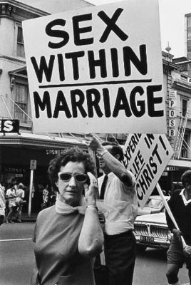 protest_sexwithi