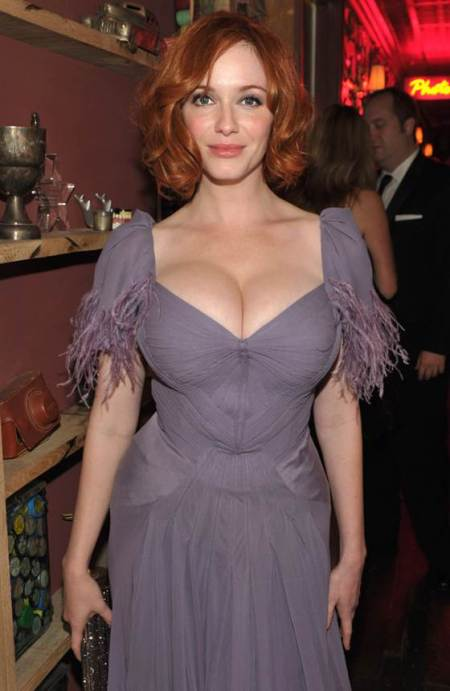 1C6007216-tdy-christina-hendricks-style-230p.blocks_desktop_medium